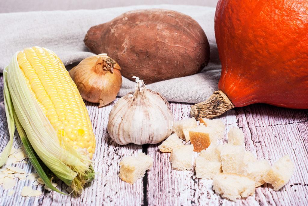 Krem z dyni i batata z gotowaną kukurydzą i pszennymi grzankami na maśle - półprodukty