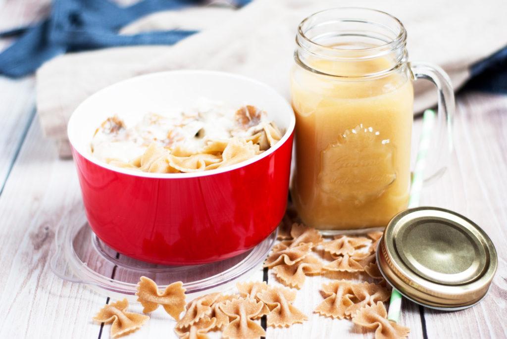 Lunchbox - Makaron pełnoziarnisty z kurczakiem i sosem kurkowym