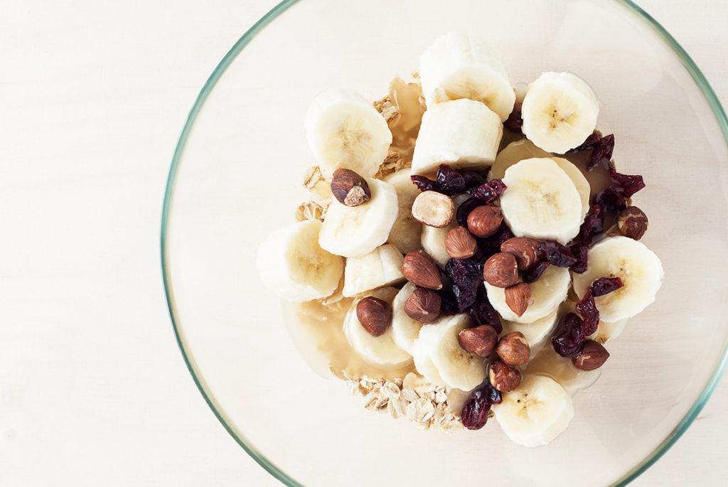 ciasteczka-owsiane-z-bananem-produkty-w-misce2