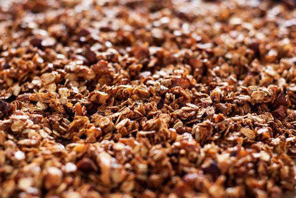 Upieczona granola na blaszce - | lunchboxodkuchni.pl