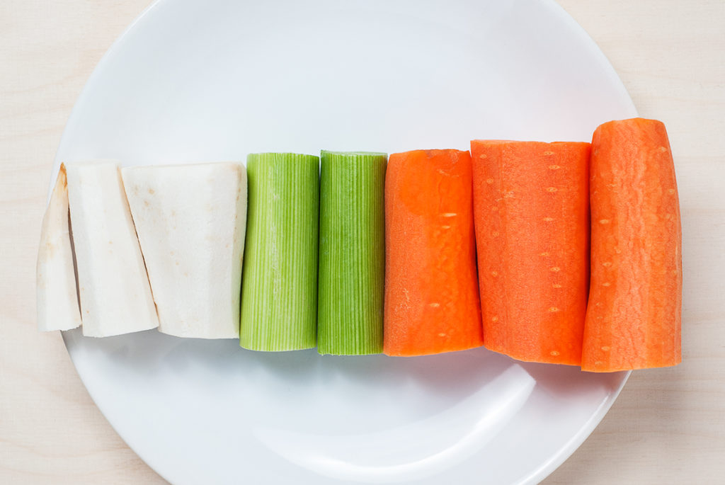 Zupa ogórkowa - produkty   lunchboxodkuchni.pl