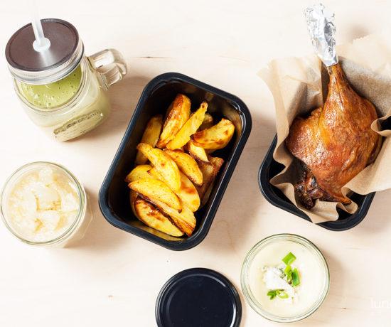 Lunchboxodkuchni - płatki jaglane z pomelo i miodem, smoothie z banana i awocado, pieczone udko z kaczki z ziemniakami i sosem selerowo-gorgonzolowym | lunchboxodkuchni.pl
