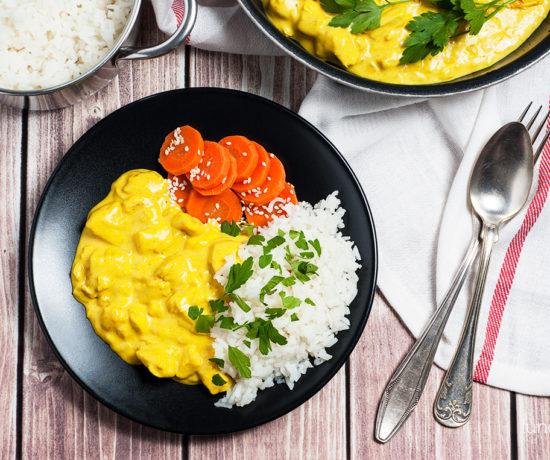 Kurczak curry z ryżem i marchewką gotowaną | lunchboxodkuchni.pl