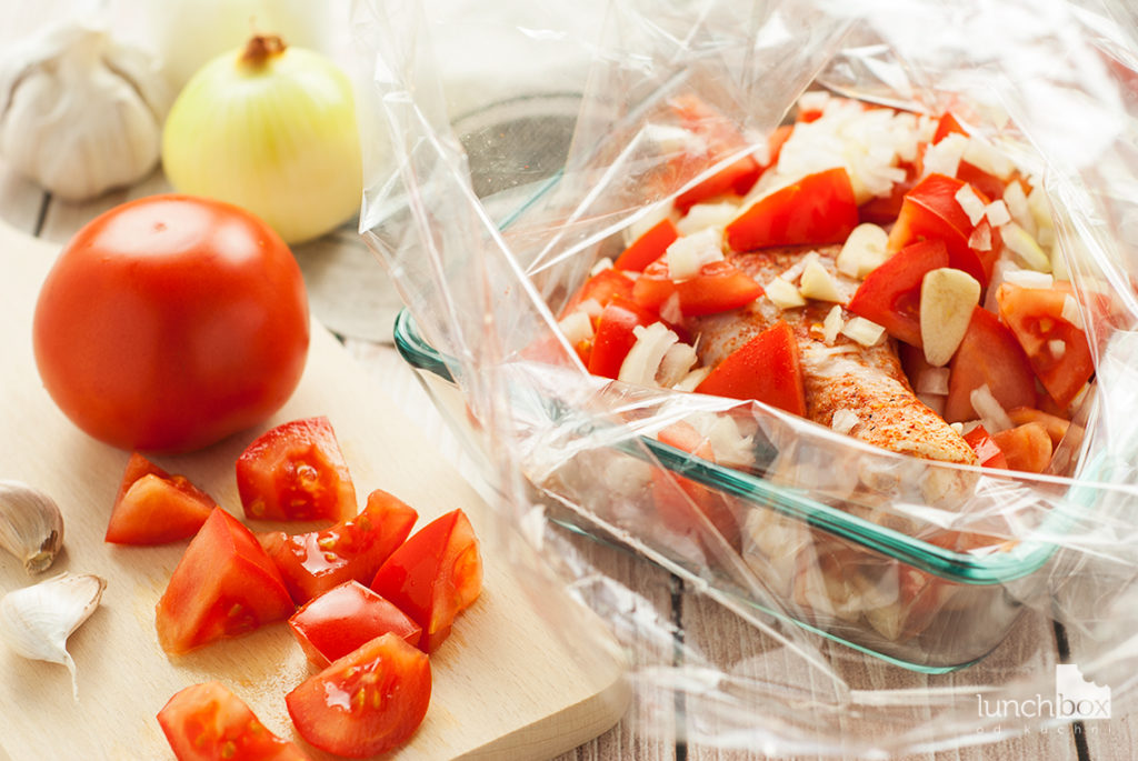 Pasta z kurczakiem w kremowym sosie pomidorowym - produkty | lunchboxodkuchni.pl