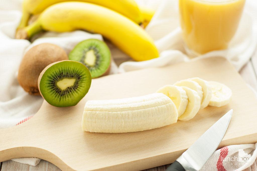 Smoothie z banana, kiwi i soku jabłkowego - produkty | lunchboxodkuchni.pl