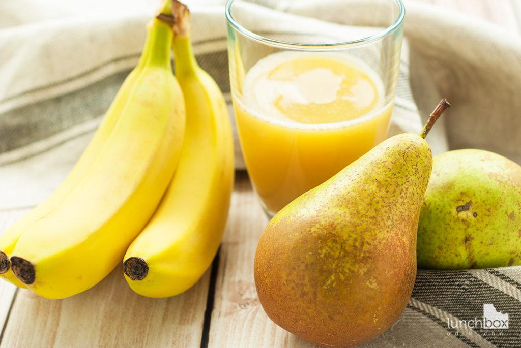 Smoothie z banana, gruszki i soku jabłkowego - produkty | lunchboxodkuchni.pl