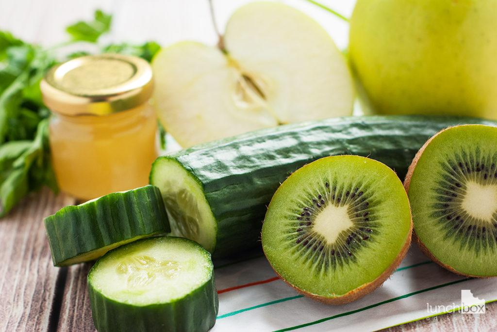Smoothie z jabłka, ogórka i kiwi - produkty | lunchboxodkuchni.pl