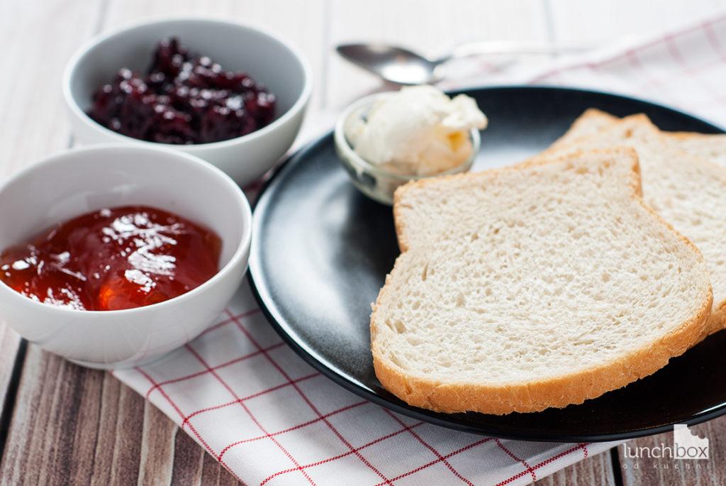 Grzanki z twarożkiem i konfiturą - produkty | lunchboxodkuchni.pl