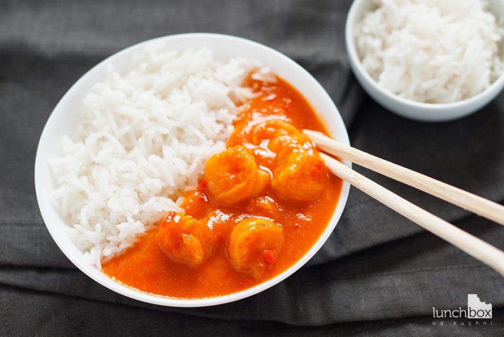 Krewetki w sosie paprykowo-imbirowym z ryżem | lunchboxodkuchni.pl