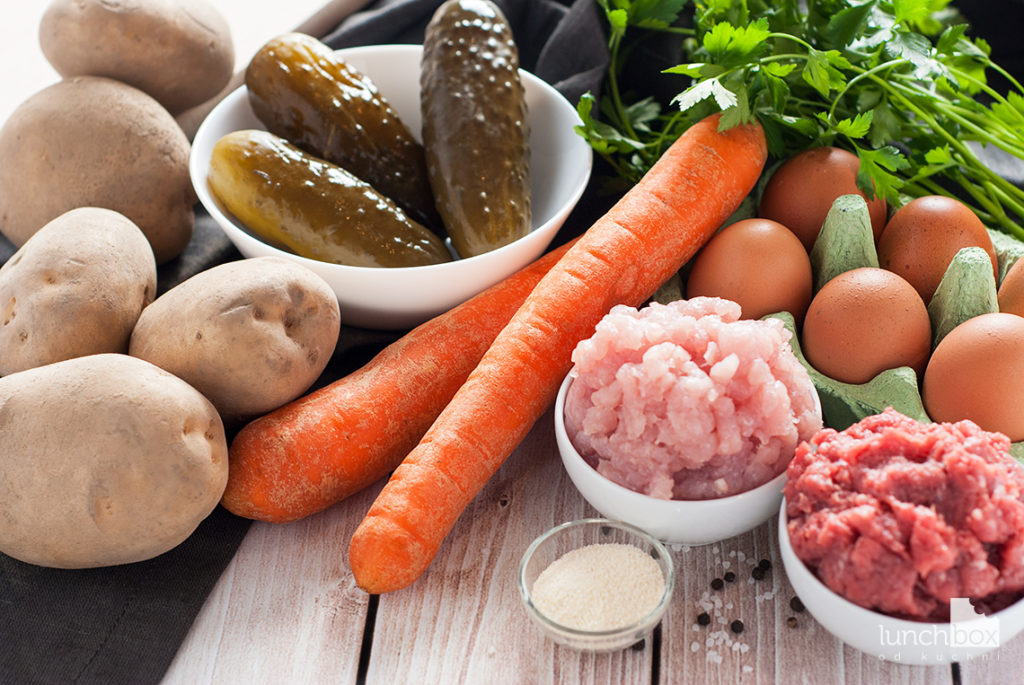Zupa ogórkowa na pulpetach mięsnych - produkty | lunchboxodkuchni.pl