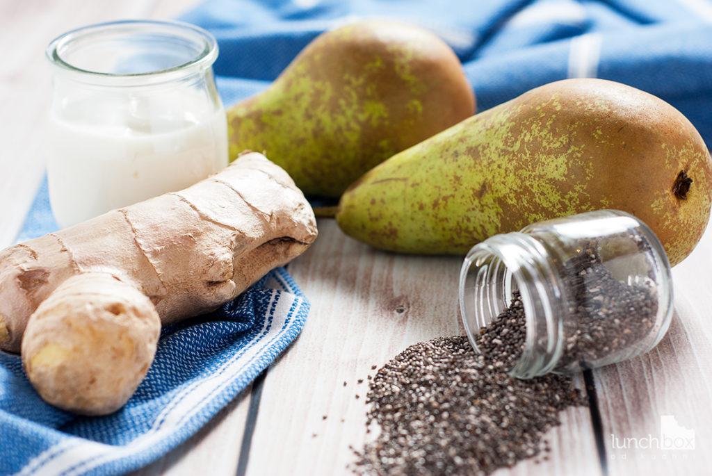Jogurt naturalny z chia, imbirem i gruszką | lunchboxodkuchni.pl