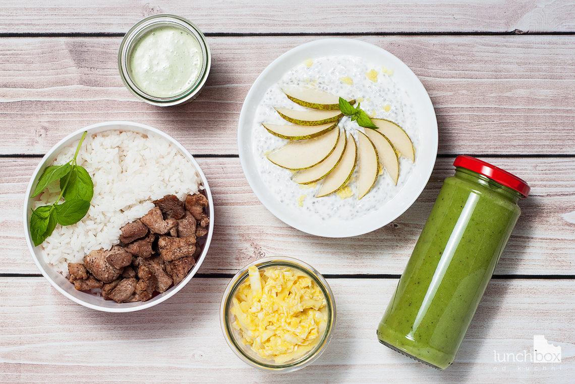 Lunchbox: jogurt naturalny z chia, gruszką i imbirem, smoothie z kiwi, avocado i szpinaku oraz indyk w gałce muszkatołowej z sosem z mięty i kapustą z mango | lunchboxodkuchni.pl