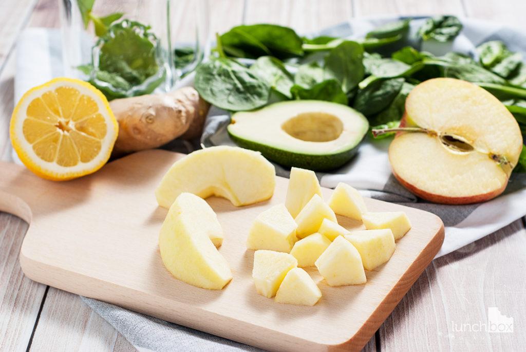Smoothie z jabłka, avocado i szpinaku | lunchboxodkuchni.pl