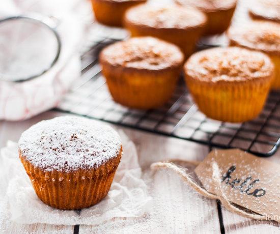 Muffiny z mąki kokosowej z rabarbarem | lunchboxodkuchni.pl