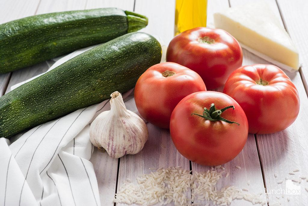 cukinia z pomidorami na ryżu   lunchboxodkuchni.pl