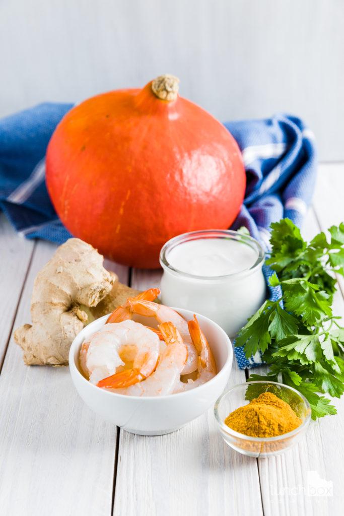 Krem z dyni z mlekiem kokosowym i krewetkami | lunchboxodkuchni.pl
