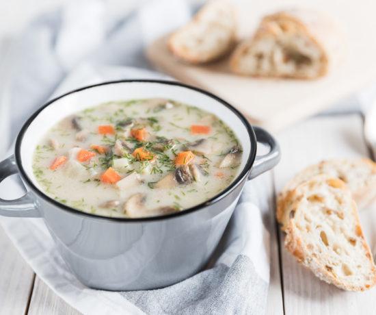 Zupa pieczarkowa z kaszą jęczmienną | lunchboxodkuchni.pl
